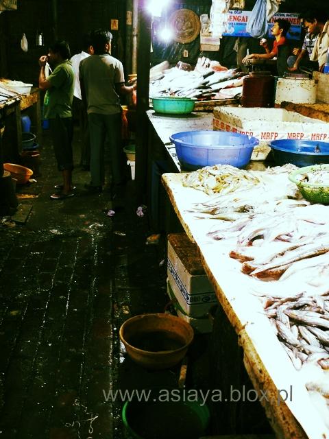 Delhi, targ rybny 7
