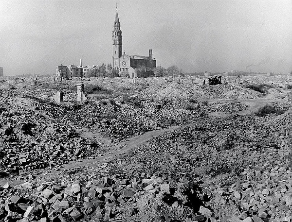 Robert Capa - Ruins of the Warsaw Ghetto