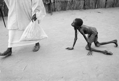 Tom Stoddart famine in sudan, 1998