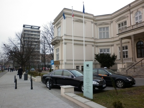 http://fotoforum.gazeta.pl/photo/1/ri/td/f74i/D0cfmV4aWVvbidvKEX.jpg