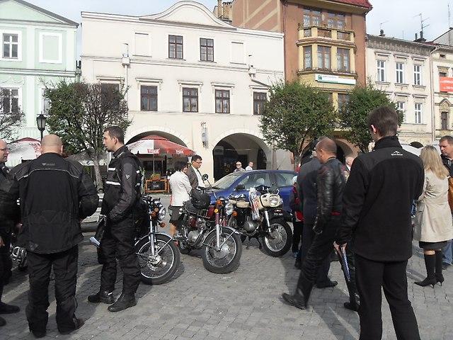 http://fotoforum.gazeta.pl/photo/1/wb/qa/5ixj/FZ8eLA1q69ct17nnfB.jpg