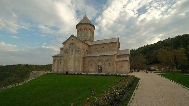 http://fotoforum.gazeta.pl/photo/2/cb/cb/dr06/bJ7e7PLHRYEWFeys6B.jpg