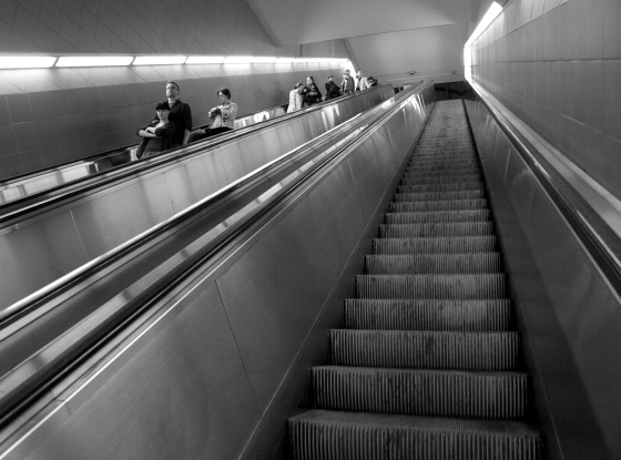 schody ruchome - metro Centrum