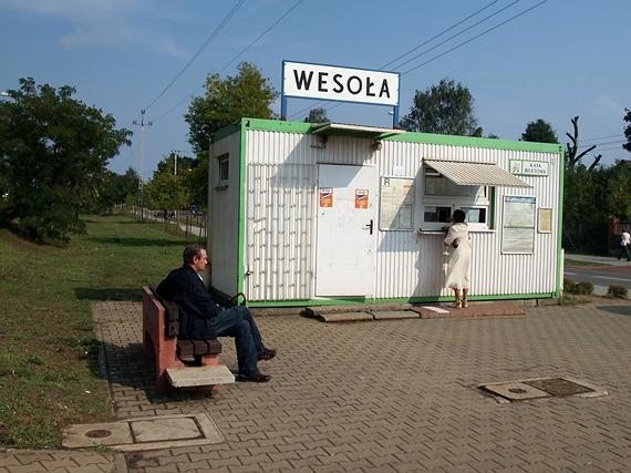 stacja kolejowa Wesoła