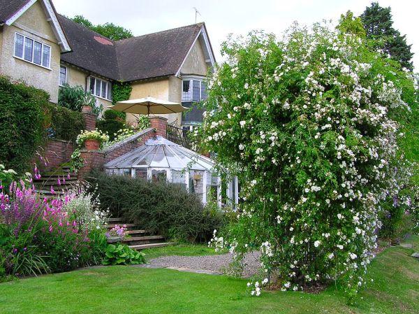 edwardian_house_garden