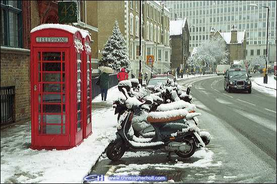 telephone_box_snow_02