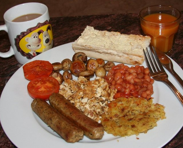 full-english-vegan-breakfast-reduced