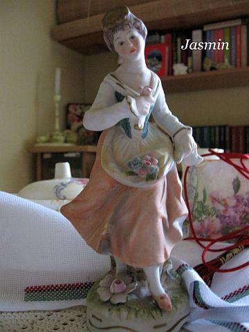 porcelanowa figurka