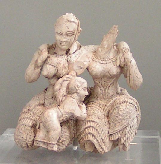 Figurka z kości słoniowej