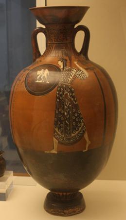 Amfora panatenajska, Ateny, ok. 404-400. Na tarczy Ateny przedstawiona jest słynna grupa rzeźbiarska Antenora, Tyranobójcy. British Museum