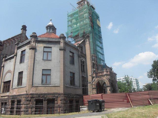 http://fotoforum.gazeta.pl/photo/6/pe/gc/rxw2/VLjJiAaYaOStb6RwTB.jpg