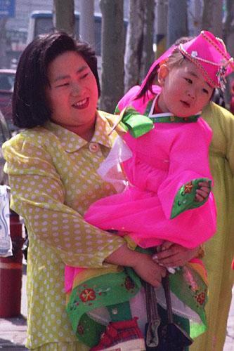 Dziecie w tradycyjnym stroju
