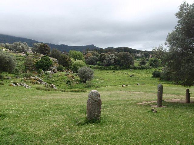 menhiry w Filitosa