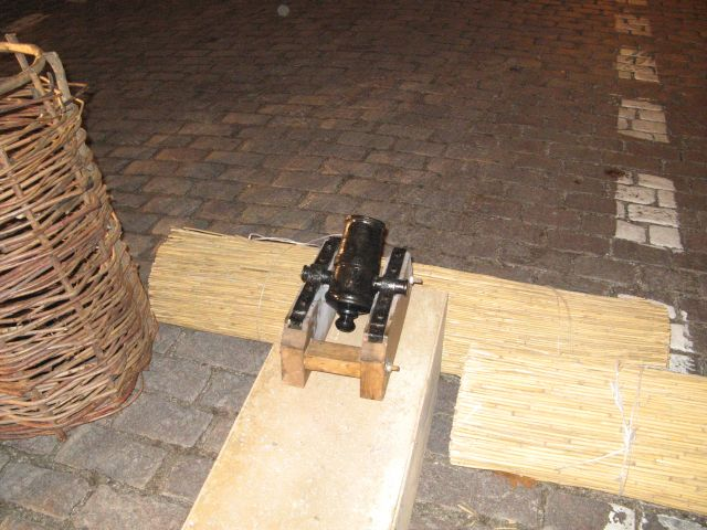 Rekonstrukcja walk Noc Listopadowa 2007 - moździerz