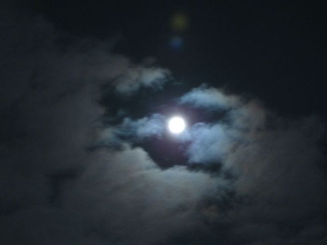 Księżyc - pełnia w pełni