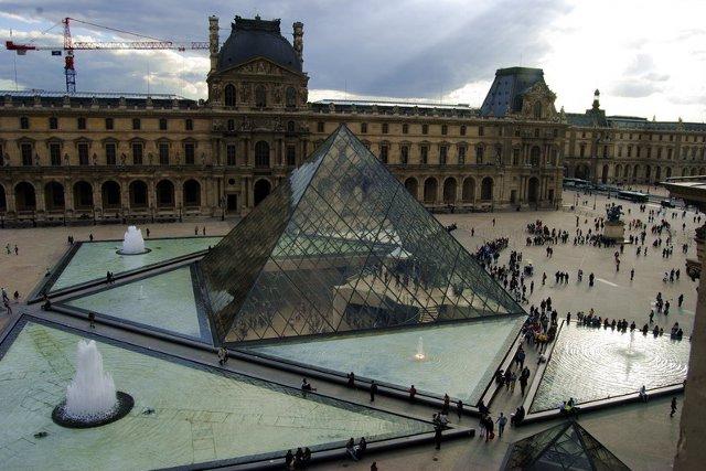 Paris 48