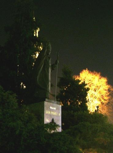 Pomnik papieza 2
