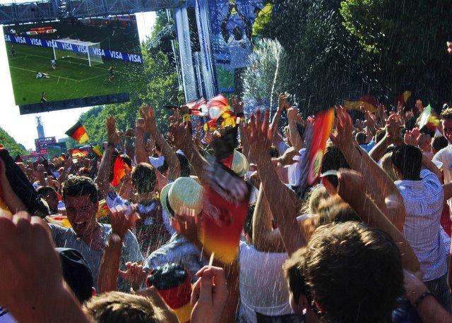Berlin FIFA fans zone 09