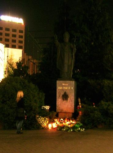 Pomnik papieza 1