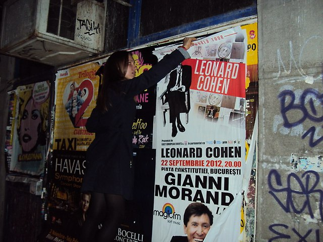 Zrywanie plakatu LC