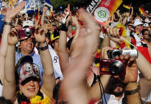 Berlin FIFA fans zone 13