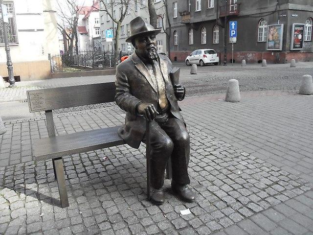 https://fotoforum.gazeta.pl/photo/1/wb/qa/5ixj/GmvQo2R590GanHpRBB.jpg