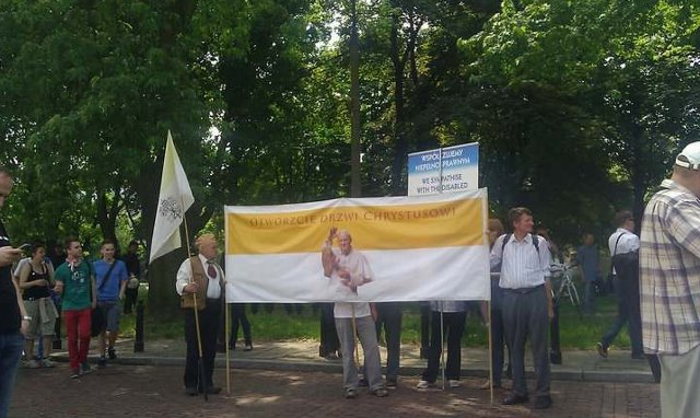 https://fotoforum.gazeta.pl/photo/5/rj/jg/gzrc/iySMBu82bkaqnhBQrB.jpg